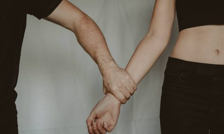 Crazy in Love – 10 Signs You're Dating A Sociopath